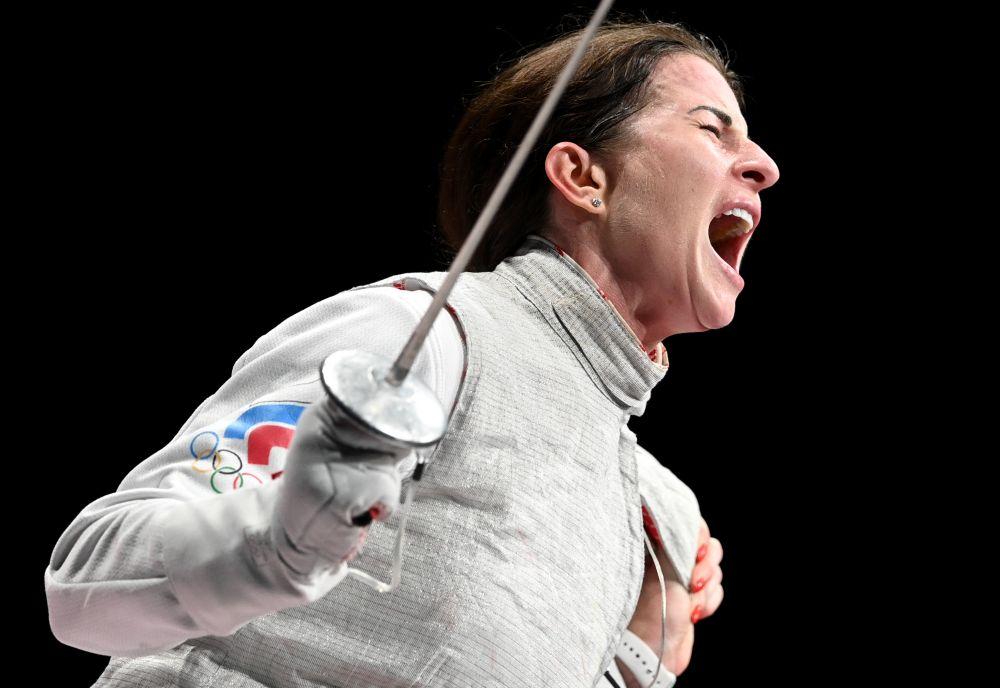 Инна Дериглазова завоевала серебряную медаль Олимпийских игр в Токио по фехтованию на рапирах