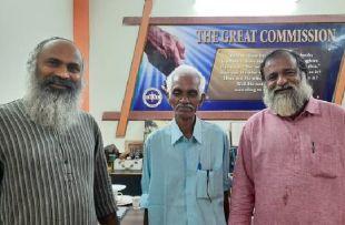 Бизнес не для гуру. Индиец 45 лет скрывался от семьи, стыдясь провала
