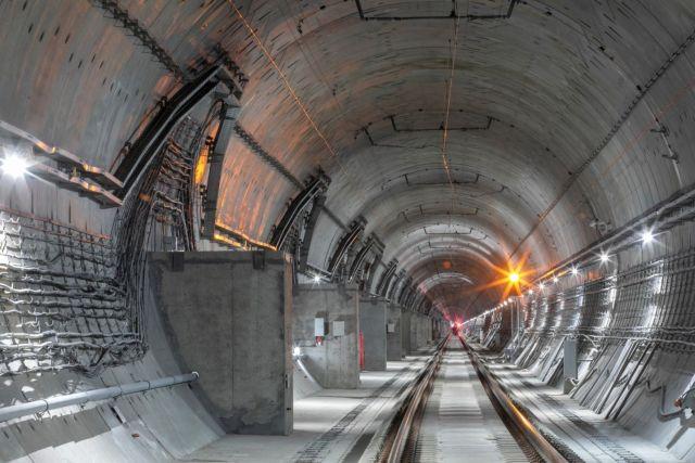 Владимир Путин открыл движение по второму Байкальскому тоннелю