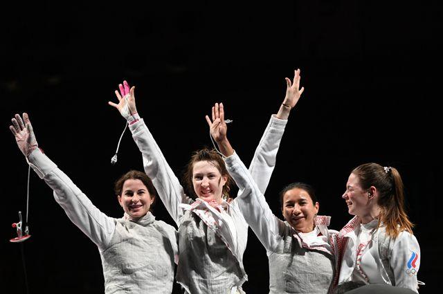 Слева направо: Инна Дериглазова, Лариса Коробейникова, Аделина Загидуллина иМарта Мартьянова.