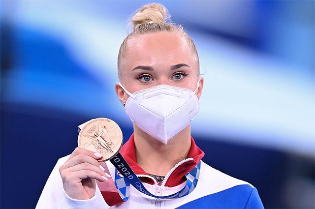 Российская спортсменка, член сборной России (команда ОКР) Ангелина Мельникова, завоевавшая бронзовую медаль.