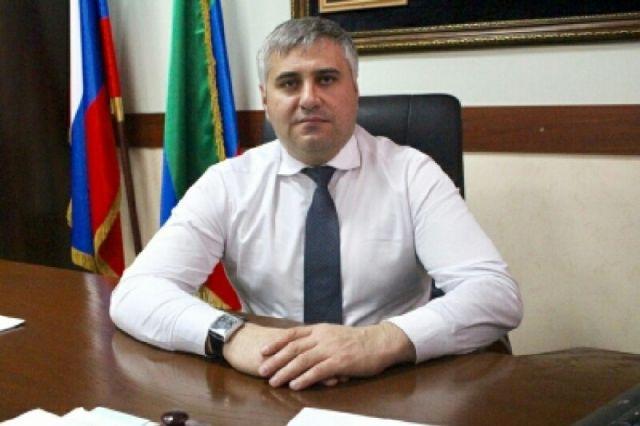 Арестованного дагестанского чиновника отпустили под залог в 1 млн рублей