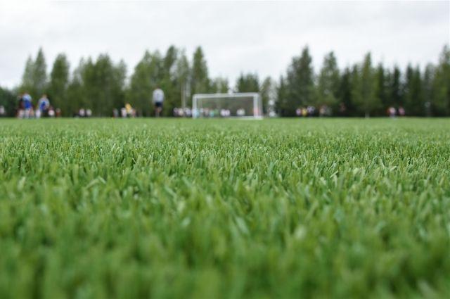 В Красных Четаях открыли современное футбольное поле