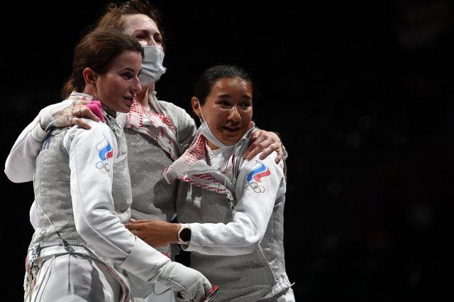 Инна Дериглазова, Лариса Коробейникова и Аделина Загидуллина (слева направо) на Олимпиаде в Токио