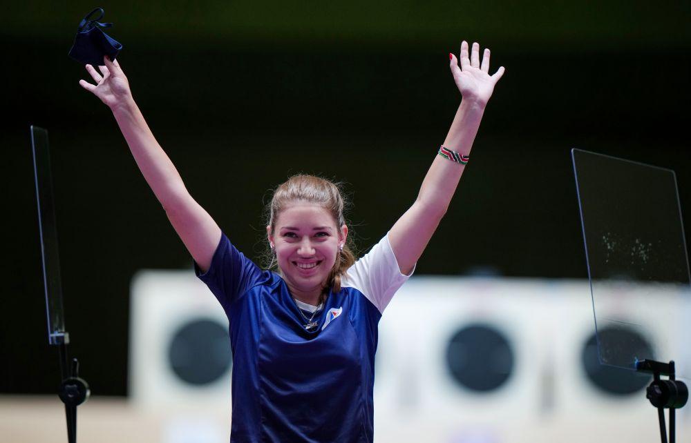 Российская спортсменка Виталина Бацарашкина выиграла золотую медаль в стрельбе из пневматического пистолета с 25 метров