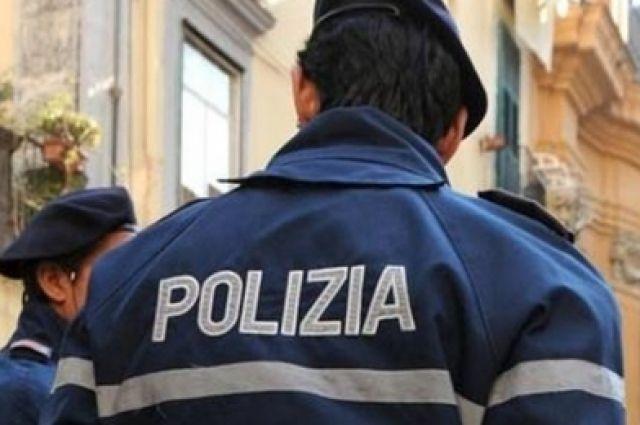 В Италии пьяная украинка избила полицейского держателем для полотенец