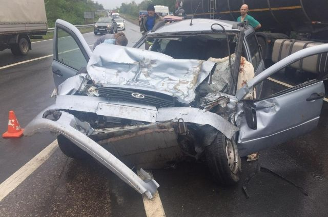 В Самарской области на трассе М-5 в аварии погибло два человека