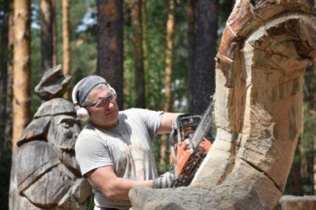 В Гусь-Хрустальном выпилили деревянную скульптуру Змея Горыныча