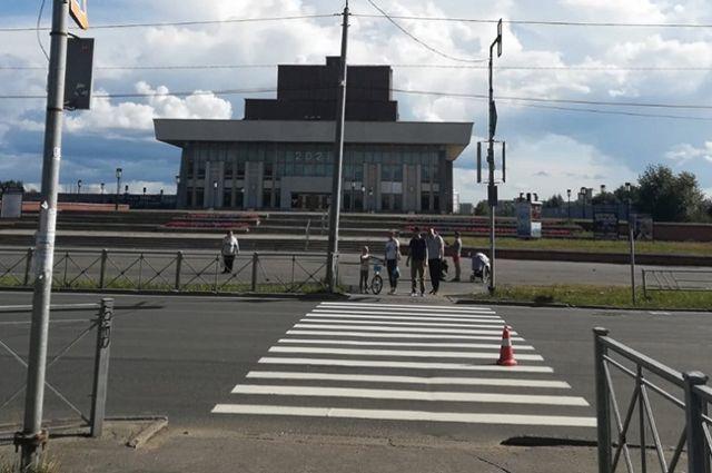 В Северодвинске женщина попала под машину на пешеходном переходе