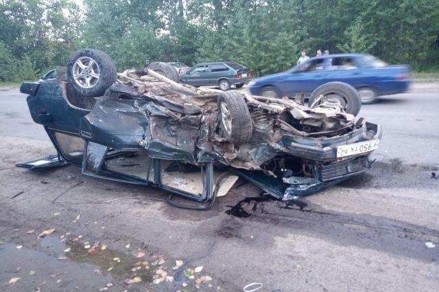 Двое водителей пострадали в результате лобового ДТП в Рязани