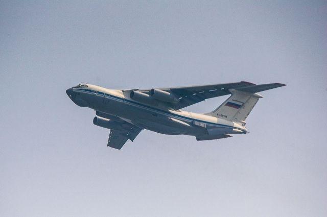 Минобороны России направило в Оренбуржье на тушение пожаров самолеты Ил-76.