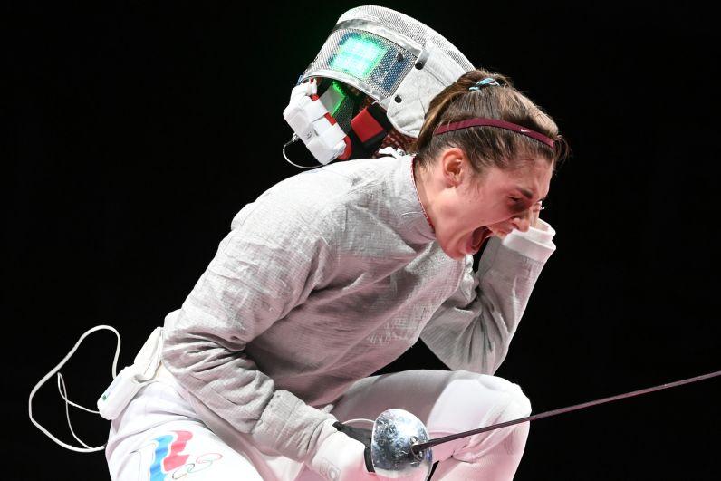 Софья Позднякова завоевала золотую медаль на соревнованиях по фехтованию на саблях среди женщин на XXXII летних Олимпийских играх