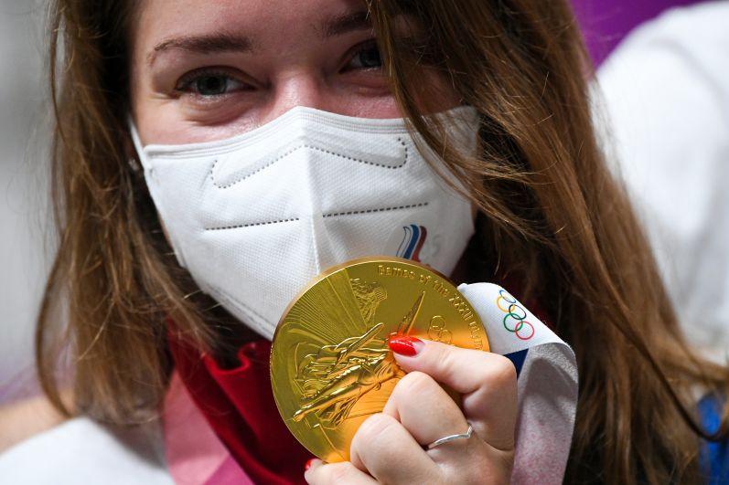 Виталина Бацарашкина завоевала золото в соревнованиях по стрельбе из пневматического пистолета с 10 метров среди женщин на XXXII летних Олимпийских играх в Токио