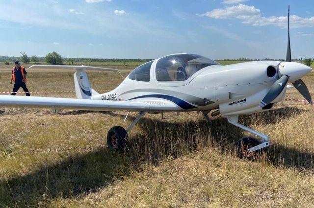 В Бугуруслане у тренировочного самолета во время разгона оторвалось колесо.