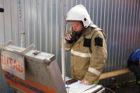 Пожару в Оренбурге в районе поселка 9 Января присвоили 3 уровень опасности.