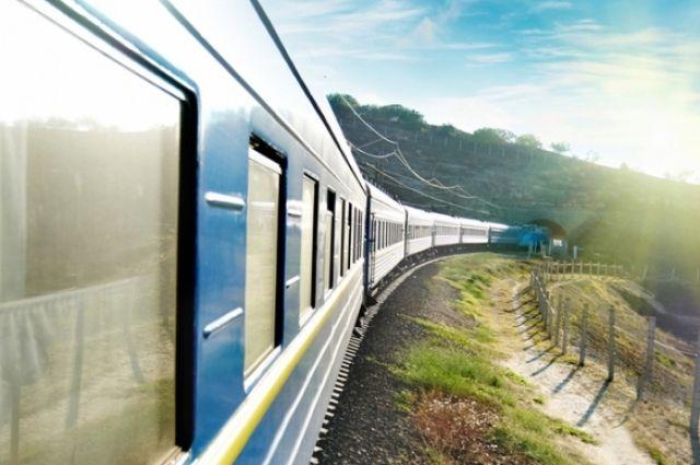 Укрзализныця запускает дополнительные поезда в трех направлениях .