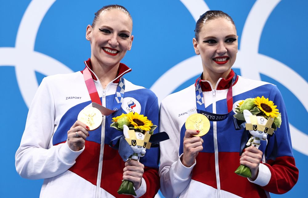 Российские синхронистки Светлана Колесниченко и Светлана Ромашина завоевали золото Олимпийских игр в соревновании дуэтов