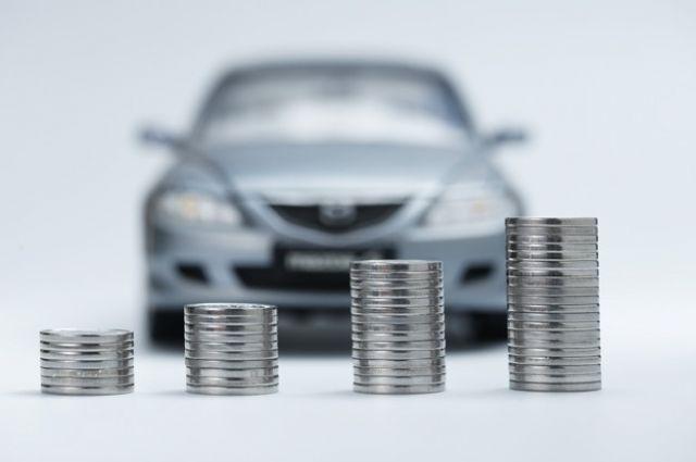 Украинцам напомнили об уплате транспортного налога: подробности