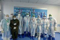 Коллектив краевой больницы № 2 ежедневно борется с пандемией, чтобы спасти пациентов, в том числе и с серьезными осложнениями.