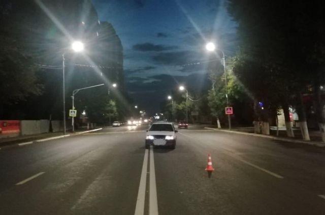 В Оренбурге водитель «девятки» сбил на переходе двоих детей.