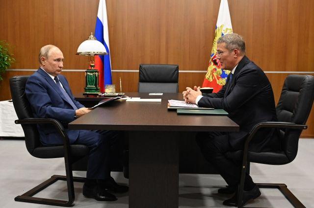 Хабиров рассказал, о чем попросил Путина во время его визита в Башкирию
