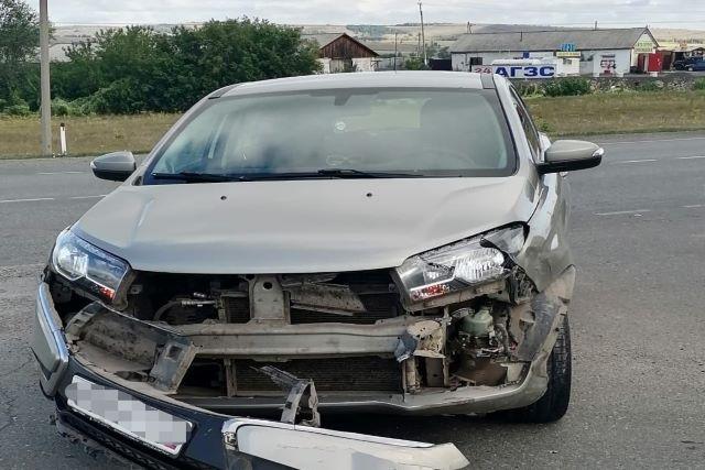 Три пассажирки иномарки госпитализированы после ДТП в Башкирии