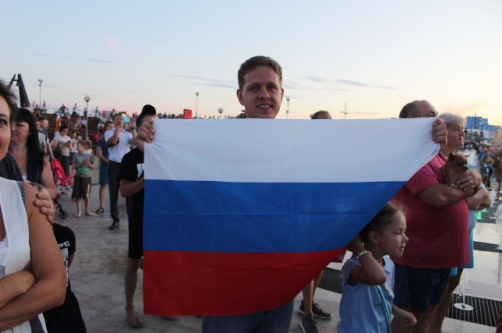 Встреча с Денисом Аблязином стала праздником патриотизма.