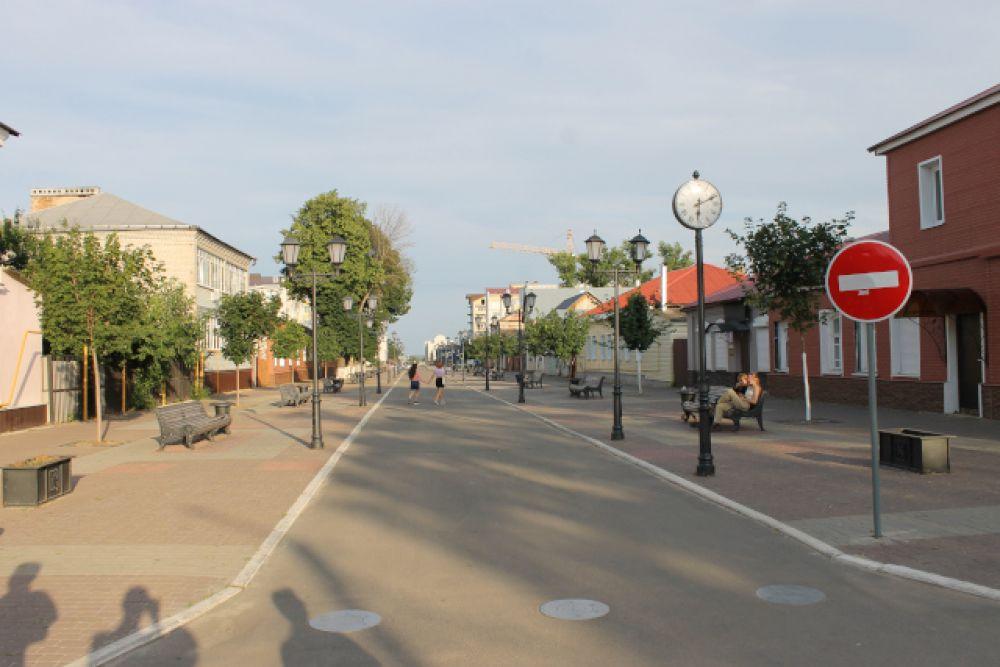Бобровский «Арбат» — пешеходная часть улицы 22 Января со старинными домами