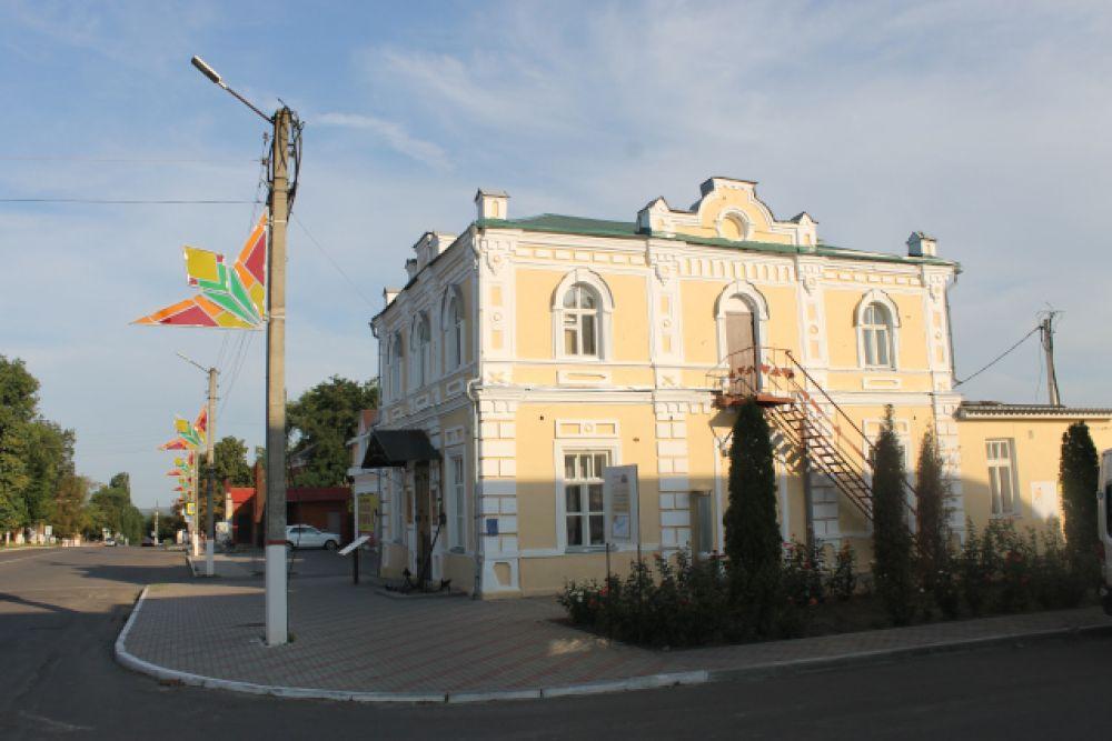 Краеведческий музей Боброва в бывшем магазине купца Мирошникова