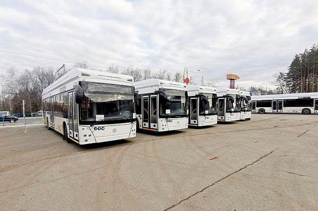 Девять новых троллейбусов на автономном ходу начали ездить по Уфе