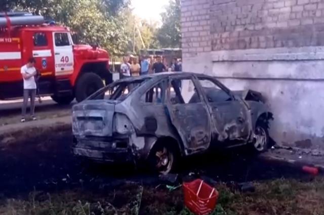 В Башкирии водитель «Лады» врезался в жилой дом и сгорел заживо
