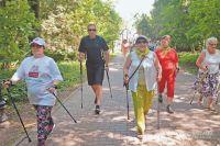 Обычная ходьба – не обязательно скандинавская – отличная тренировка для сердца.