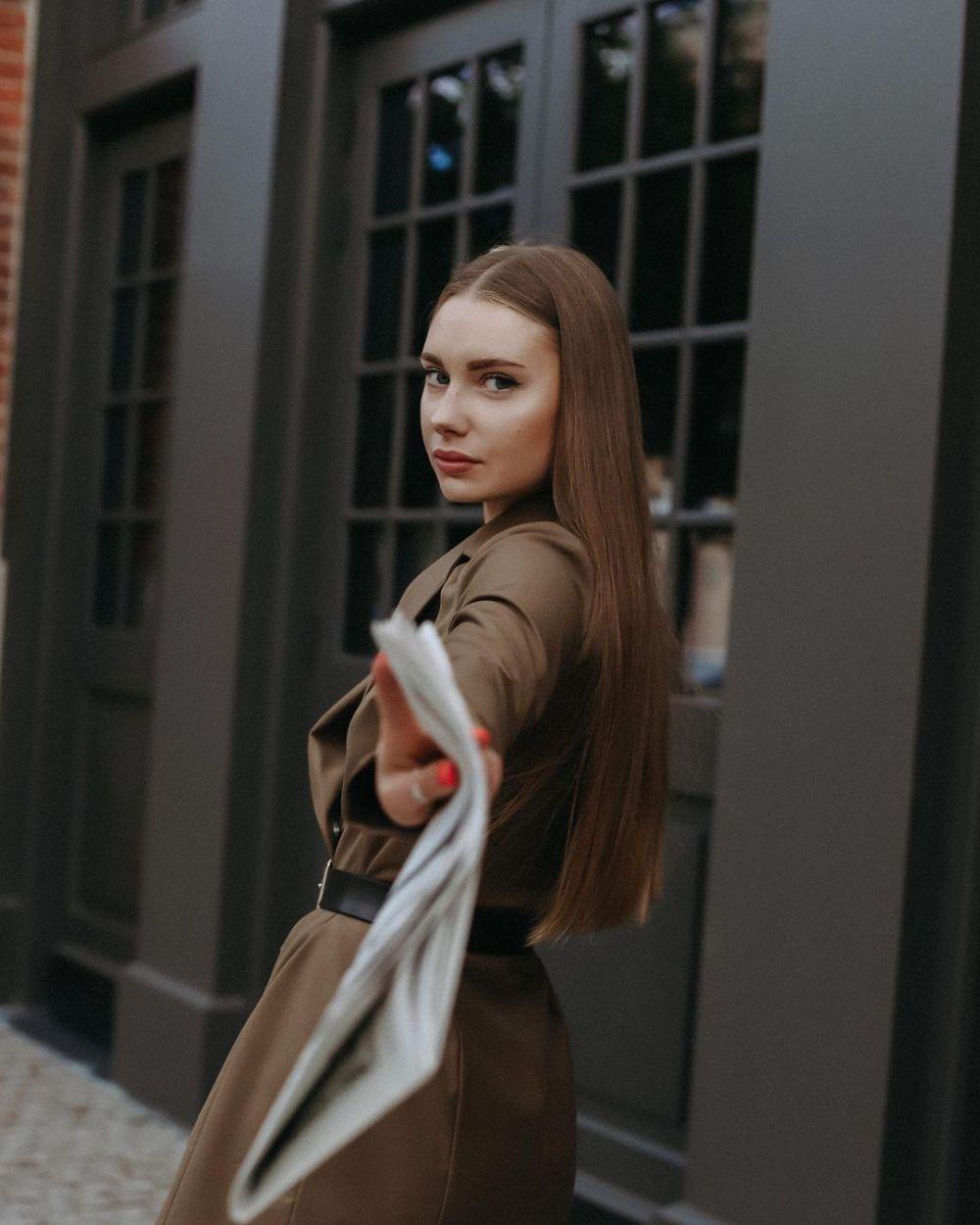 Полевикова Маргарита, 23 года, 168 см, Санкт-Петербург. Банк «Санкт-Петербург», финансовый эксперт. Хобби: танцы.