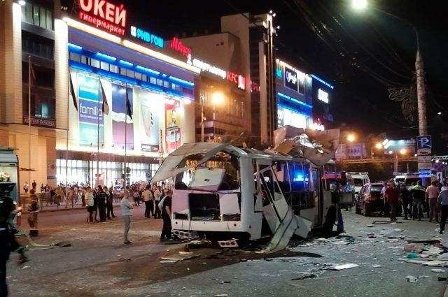 12 августа в самом центре Воронежа взорвался пассажирский автобус.