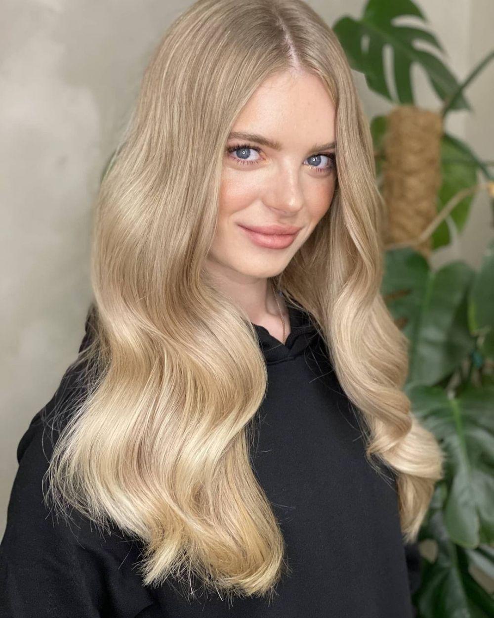 Лифанова Анна, 29 лет, 178 см, Санкт-Петербург. АО «НПП «Радар ммс», экономист договорного отдела. Хобби: мототехника, путешествия, кино.