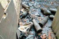 В Оренбурге на месте пожара на Почтовом обнаружили помещение с десятками газовых баллонов.