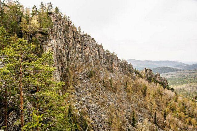 В Башкирии турист сорвался со скалы и разбился насмерть