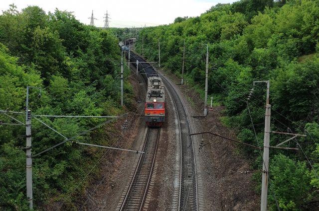 Уральская транспортная прокуратура контролирует ход расследования двух случаев травмирования детей на железной дороге.