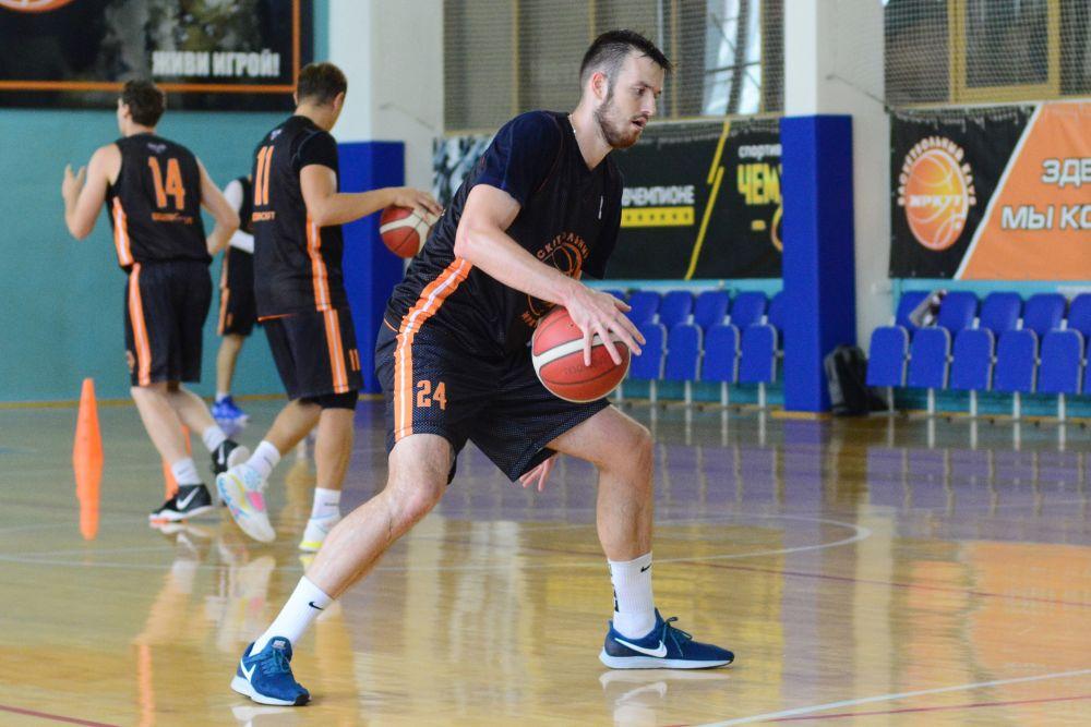 В обновленном составе. Игроки БК «Иркут» готовятся к новому сезону