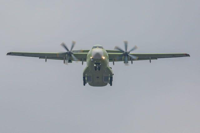 Ил-112В – военно-транспортный сaмолет полностью российского производствa.
