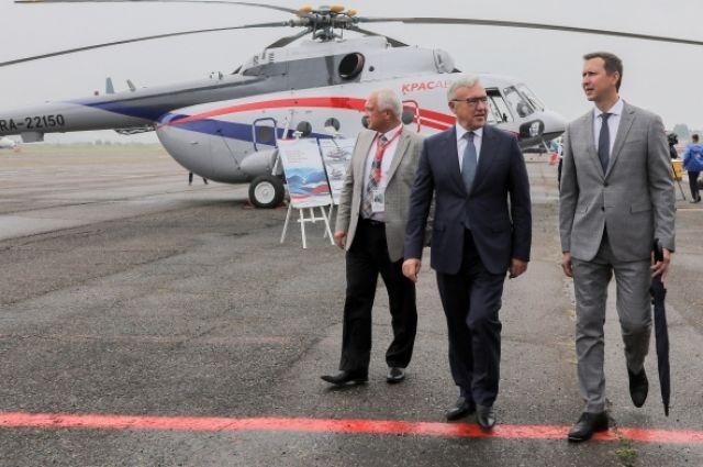 Губернатору презентовали новый вертолёт, который будет работать на севере края.