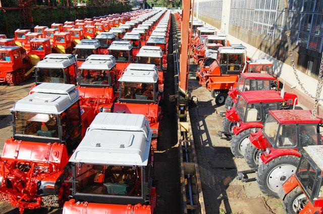 Когда-то завод выпускал по 140 тракторов в день.