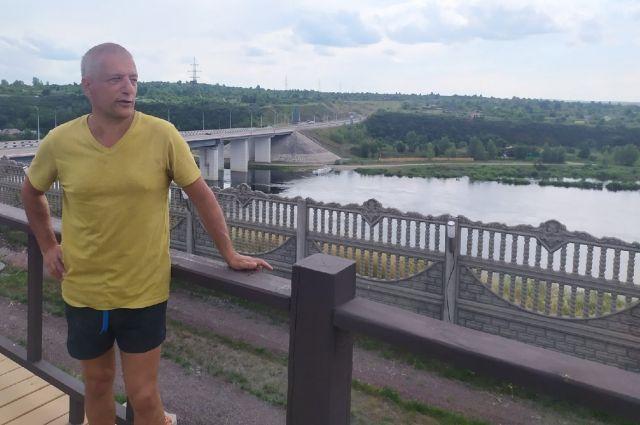 С террасы открывается прекрасный вид на реку Енисей.