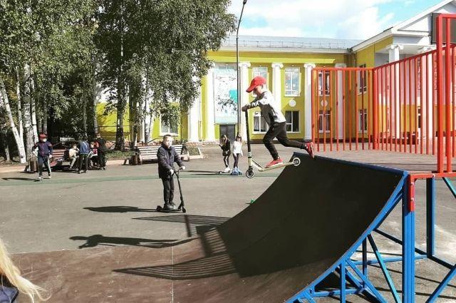 Для детей в городе установили игровые комплексы.