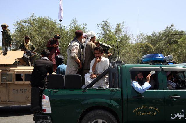 Боевики движения «Талибан» (террористическая организация, запрещена в России) в Кабуле.