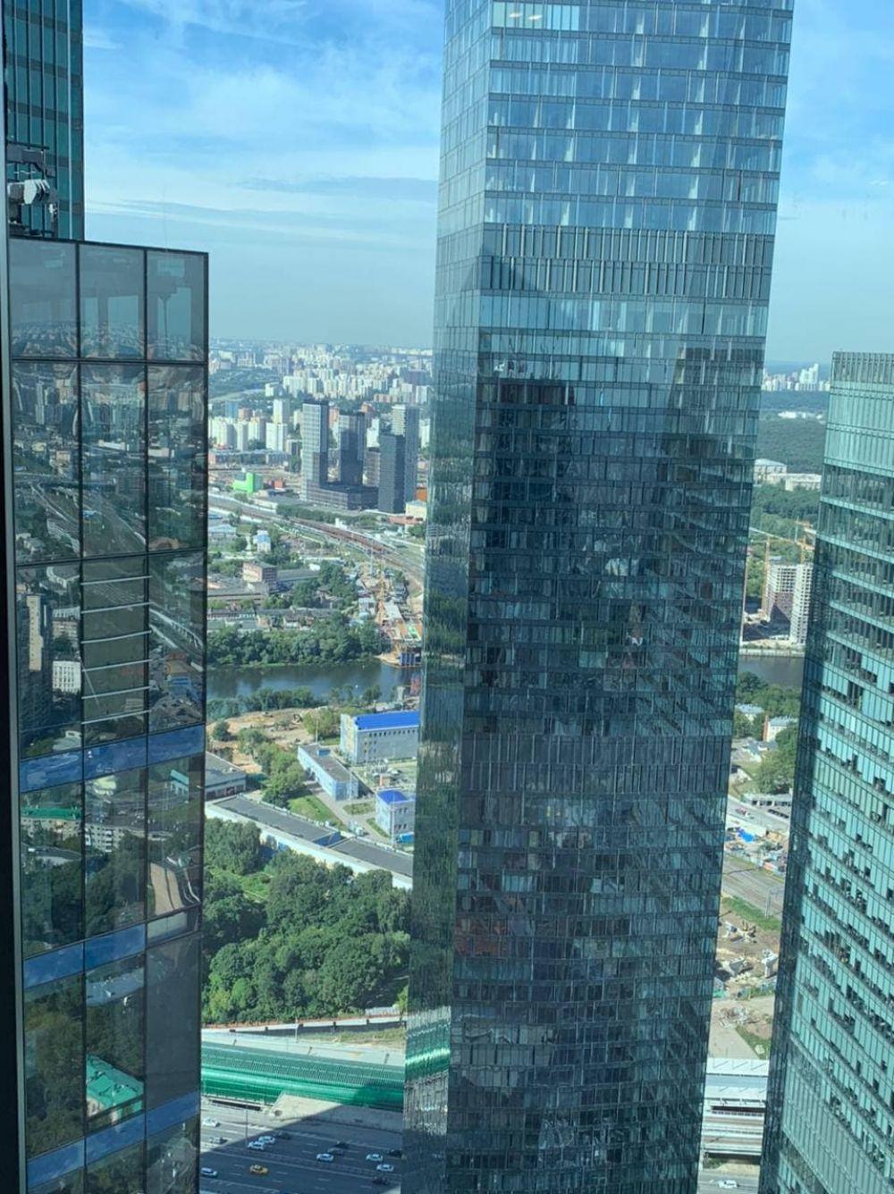 Вид с его офиса в Москва-сити