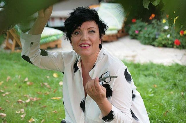 Певица, чьи альбомы были самыми продаваемыми на студии «Союз», теперь востребованный педагог и психолог.
