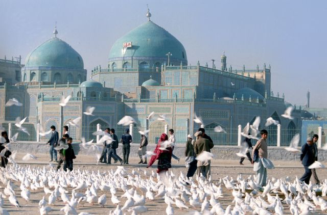 Мечеть в Мазари-Шарифе. Афганистан. 1989 г.