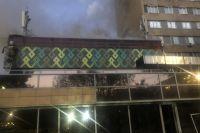 Оренбуржцы поделились видеозаписью с утреннего пожара в ресторане «Пахлава» на Чкалова.