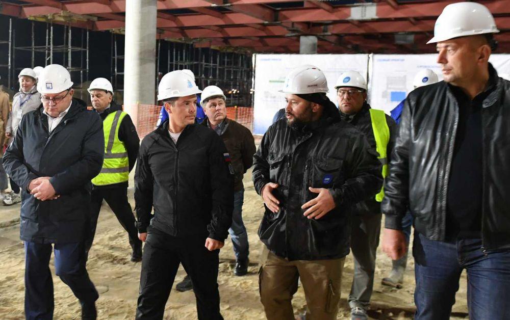 В Новом Уренгое губернатор Дмитрий Артюхов оценил ход модернизации аэропорта.